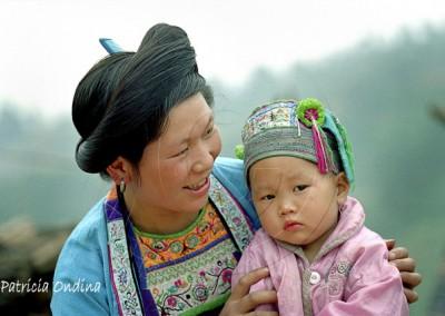 Miao et bébé, Guangxi