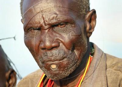 Tukana portant labret, pratique désormais rare chez les hommes