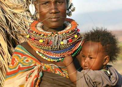 Femme turkana et bébé