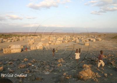 Le soir, sur les rives du lac Turkana