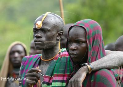 Spectateur de Donga, combat rituel surma