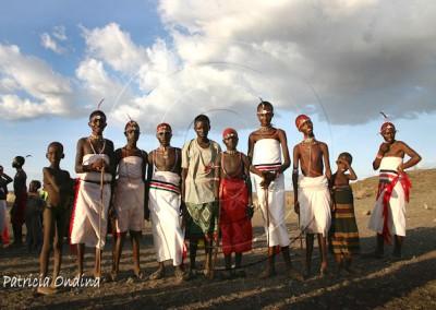 Le plus petit groupe ethnique du Kenya fête le passage de toute une génération de jeunes El Molo à la classe d'âge supérieure