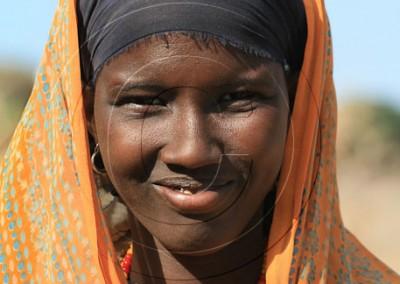 sourire de cette jeune Gabbra rencontrée dans un minuscule hameau perdu dans le désert du nord Kenya